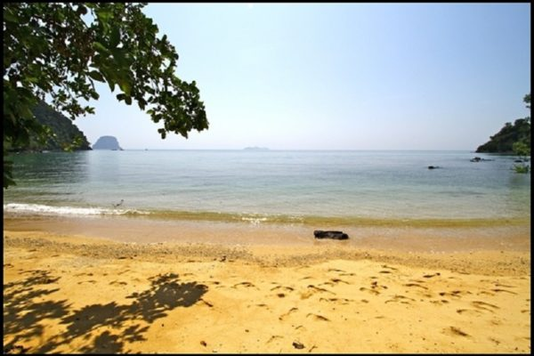 Koh Ngai Private Beach